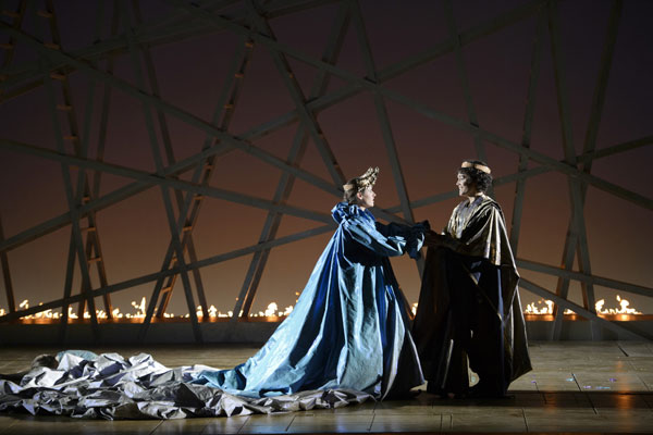 Naomi O'Connell (Poppea), Gaëlle Arquez (Nerone) © Monika Rittershaus
