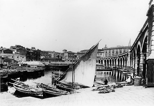 Catania, archi della marina; porto
