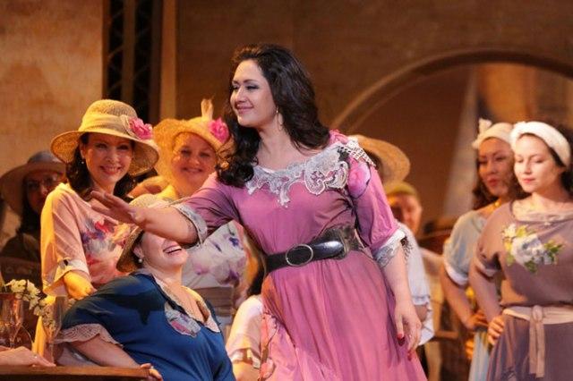 Agunda Kulaeva as Carmen
