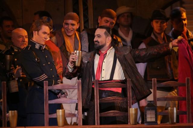 Elchin Aziziv as Escamillo