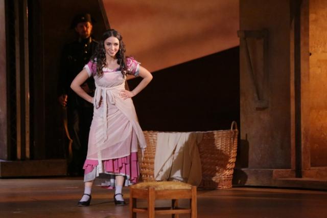 Yulia Mazurova as Carmen