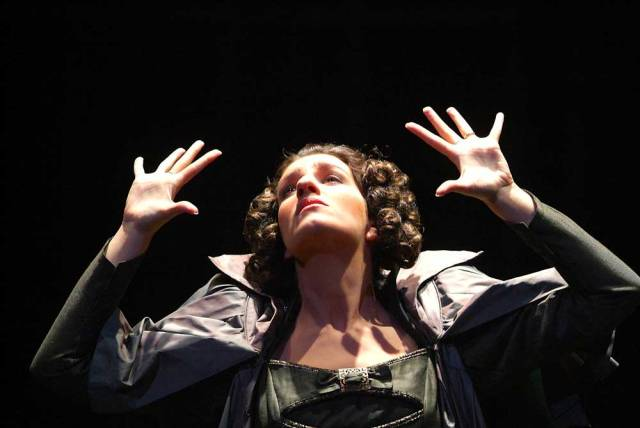Francesca Sassu (Leonora). © Roberto Ricci/Teatro Regio di Parma